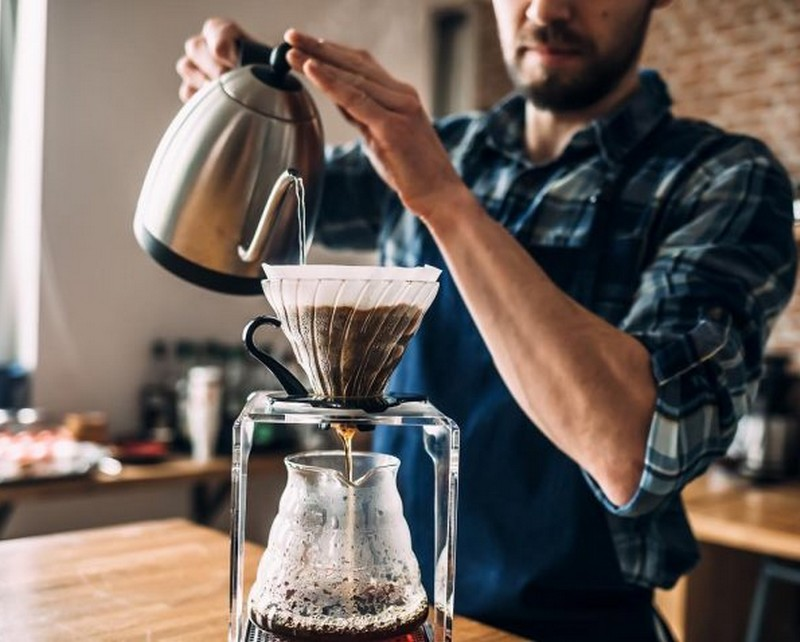 makingcoffee-brew-homebarista-v60-filtercoffee